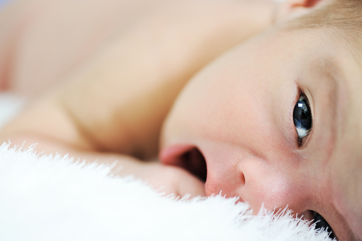 Consejos para escoger los pendientes del bebé
